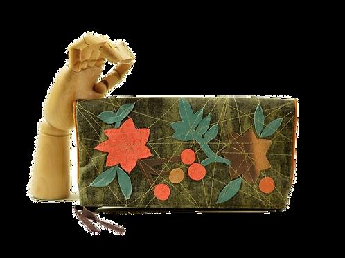 bolsa clutch flores & folhas