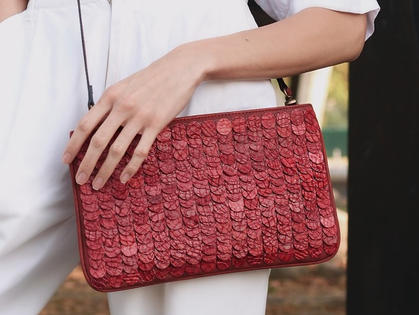bolsa-escamas-vermelhas.jpg
