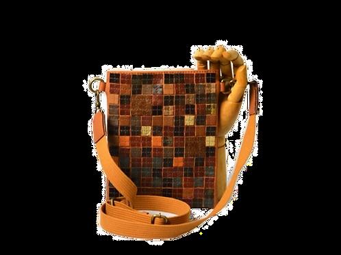 crossbody bag mosaicos de couro cor de terra