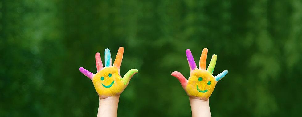 child-hands-paints-smile5.jpg