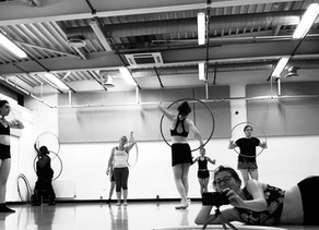 Tips for hula hoop dancers: how to use the mirror in your dance studio class to your advantage
