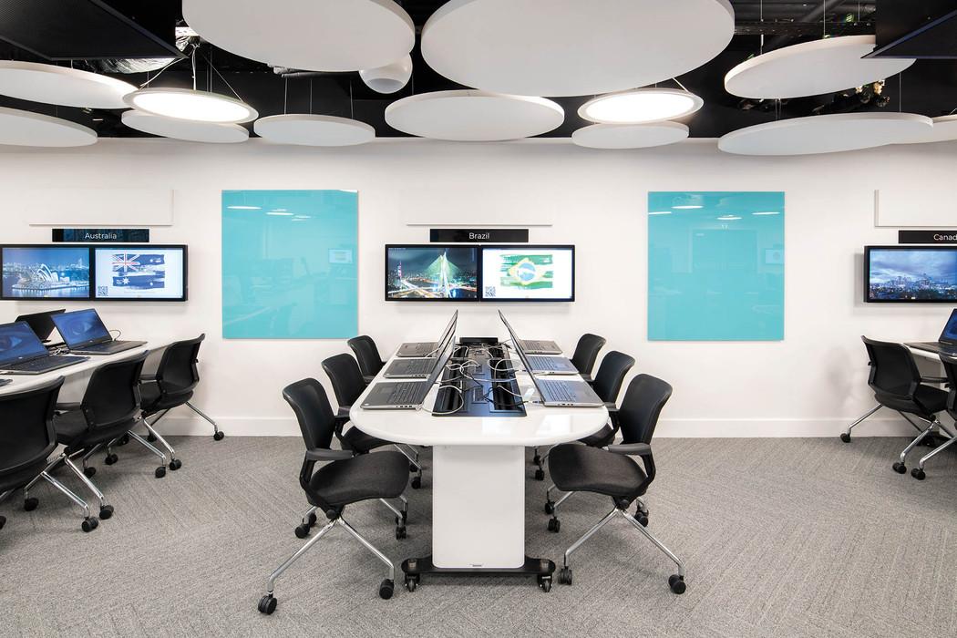 computerroom_web-res_006jpg