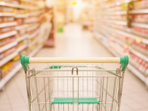 Supermercado e banco indenizarão cliente que não comprou mas teve nome negativado