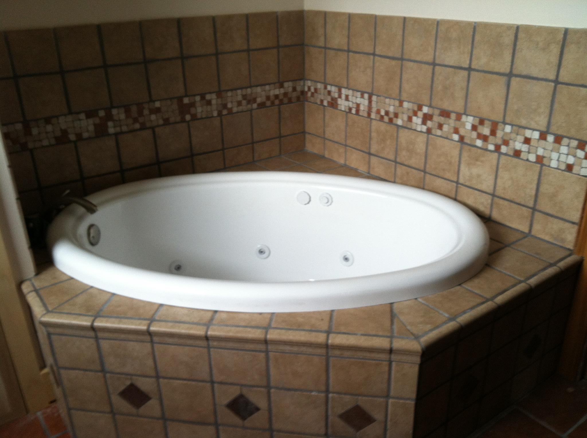 Drop in Jacuzzi Tub w/ Tile Surround