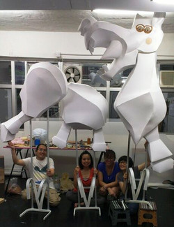 劇團首次創作大木偶