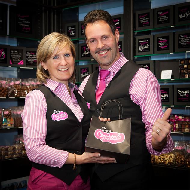 Sofie & Gino in boutique _ © Chocolates