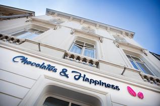 Nameplate boutique _ © Chocolates & Happ