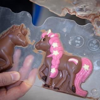 Chocolate Unicorn _ © Chocolates & Happi
