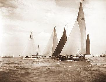 Marabu, Cowes Regatta 1955_edited.jpg
