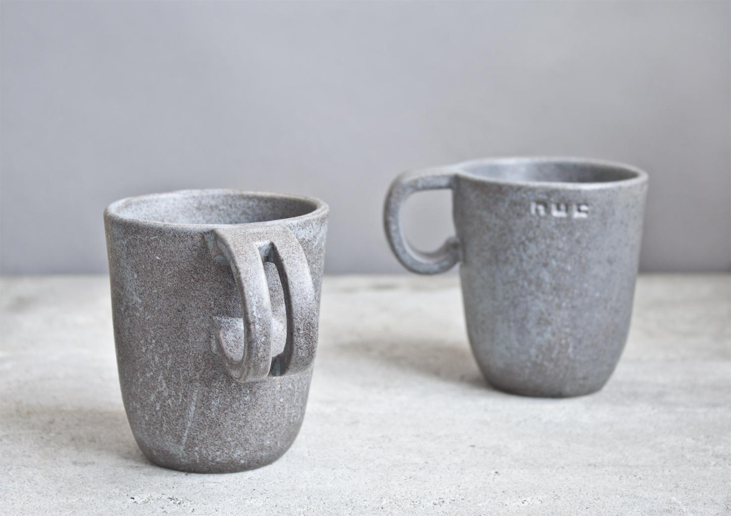 Pilki matiniai puodeliai