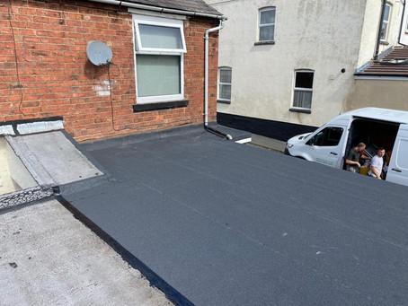 Should you get a felt flat roof or a fibreglass flat roof?