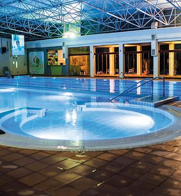 مارس السباحة إلى جانب تدريبك الرياضي لحرق دهون الجسم 8