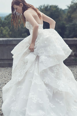 zafaf magazine monique-lhuilier-fall-2019-bridal.