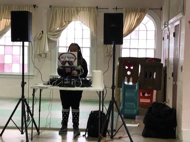 DJ mim.jpg