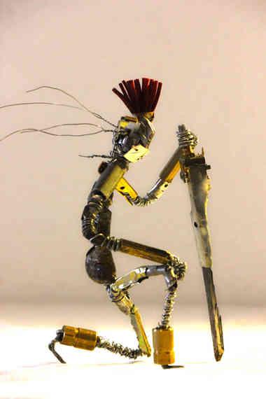La Voie du Métal: chevalier en métaux recyclés