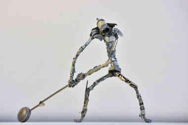 Les 5 Plaies: le Joueur de Marteau, en pièces de métal recyclées