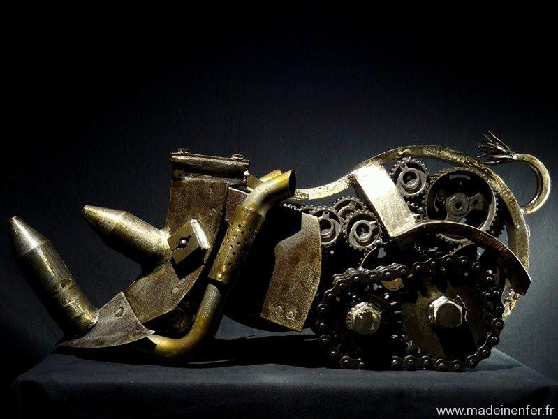 sculpture en métaux recyclés de Pascal Frieh