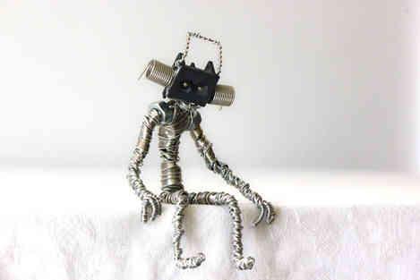 Pourquoi: petit robot en récup