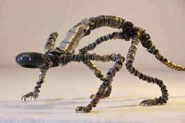 SR030218: créature en métaux de récup