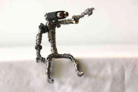 Et si là-bas: petit robot recyclé