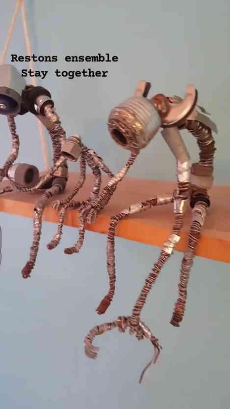 Vidéo de sculptures en métal recyclés