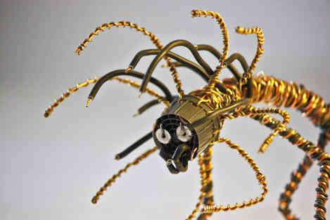 Gorgone: créature imaginaire en récup
