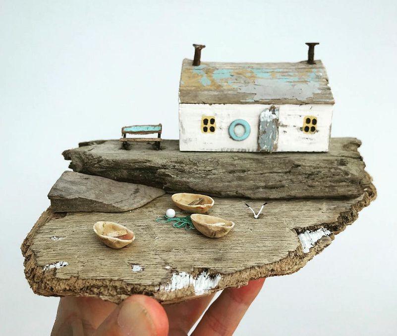 Maison de bord de mer en récup