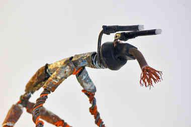 Le Guetteur: animal en pièces de récup