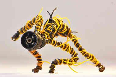 Cyclobe: créature en métal et câble de récup