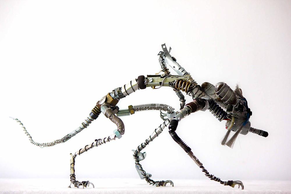 Art récup d'un renard en métal et diverses pièces de récupération