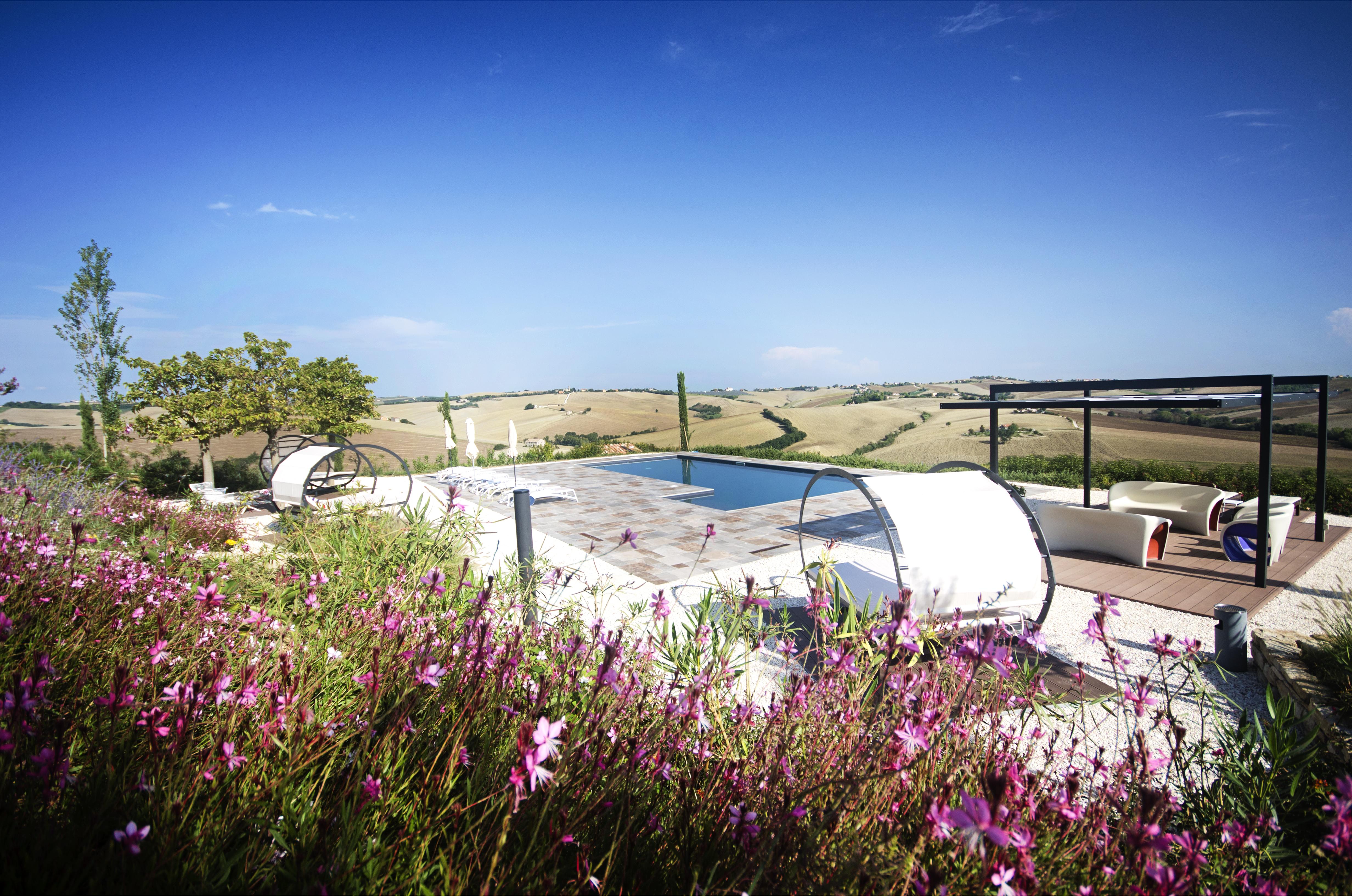 Borgo della Spiga, piscina