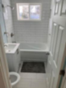 bathrom 2.jpg