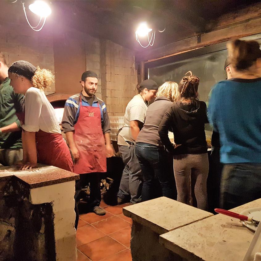Wiki Hostel pizza party