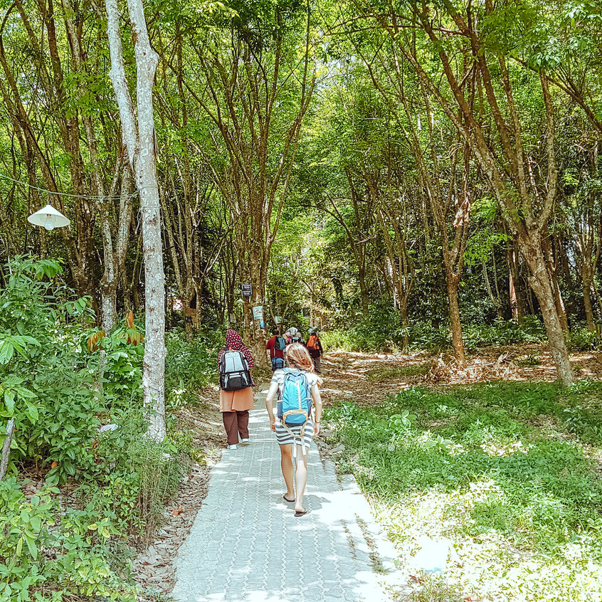Walking between Coral Bay and Long Beach on Perhentian Kecil.