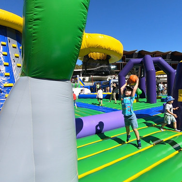 kids playing in tuff nutterz obstacle course