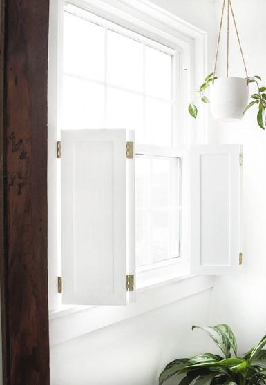 BATHROOM BI-FOLD SHUTTER WINDOW