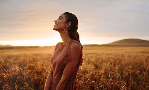happy-woman-enjoying-in-the-nature-L9W8H