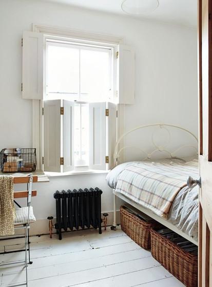 BEDROOM BI-FOLD SHUTTER WINDOW