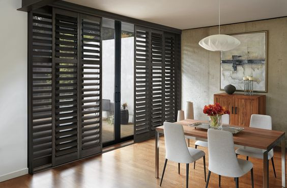 DINING AREA SLIDING SHUTTER