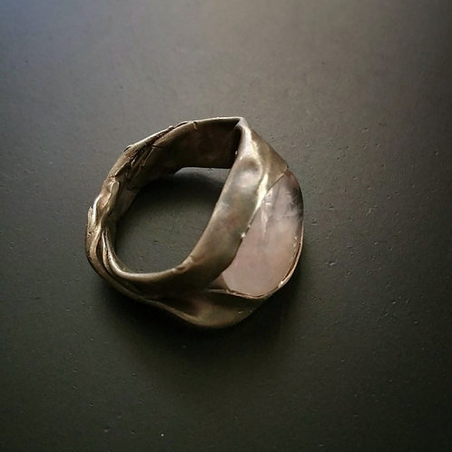 Bareelements Wrapped ring/Pink Beryl Dark