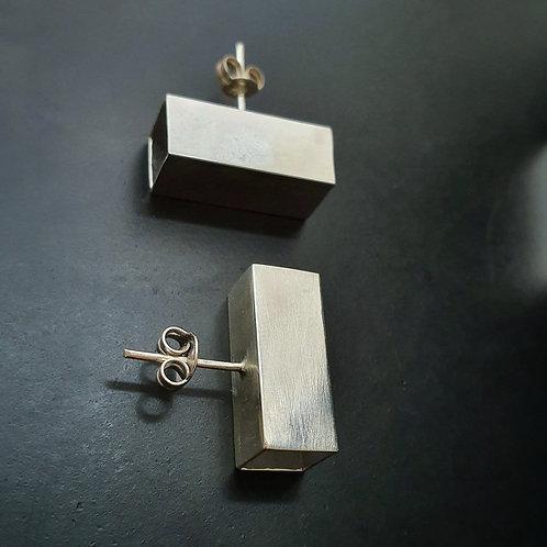 Scrd Geometry Earrings/ Short Hollow