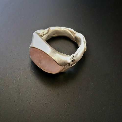 Bareelements Wrapped ring/Pink Beryl