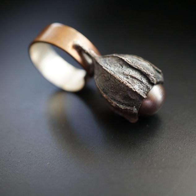 Eucalyptus ring. Black freshwater pearl