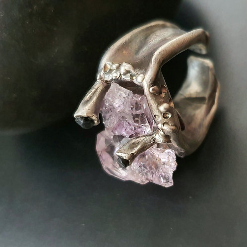 Great Barrier Reef Ring Raw/ Amethyst+Sapphires