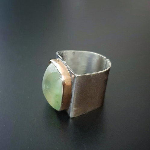 Green&Gold Embraced Ring/ Prehnit