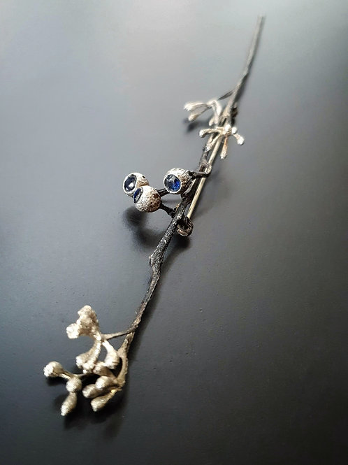 Eucalyptus 2Seasons Corset Brooch/Blue Sapphire