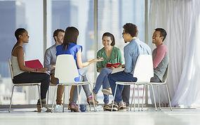 équipe réflexion échanges élaborer prévention risques