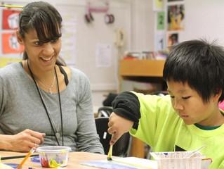 THE DES MOINES REGISTER ARTICLE: TEACHING ART
