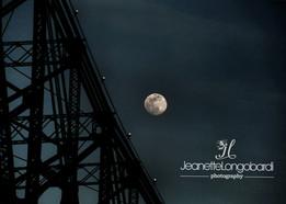 Full Moon_Roosevelt Island.jpg
