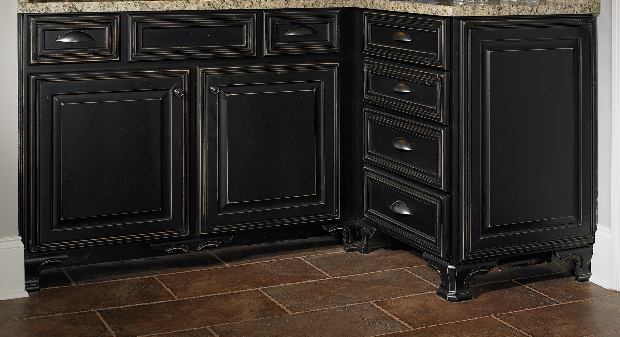 Castlewood-Pedestal-Foot-Corner-SY-PF-173-in-vanity-application